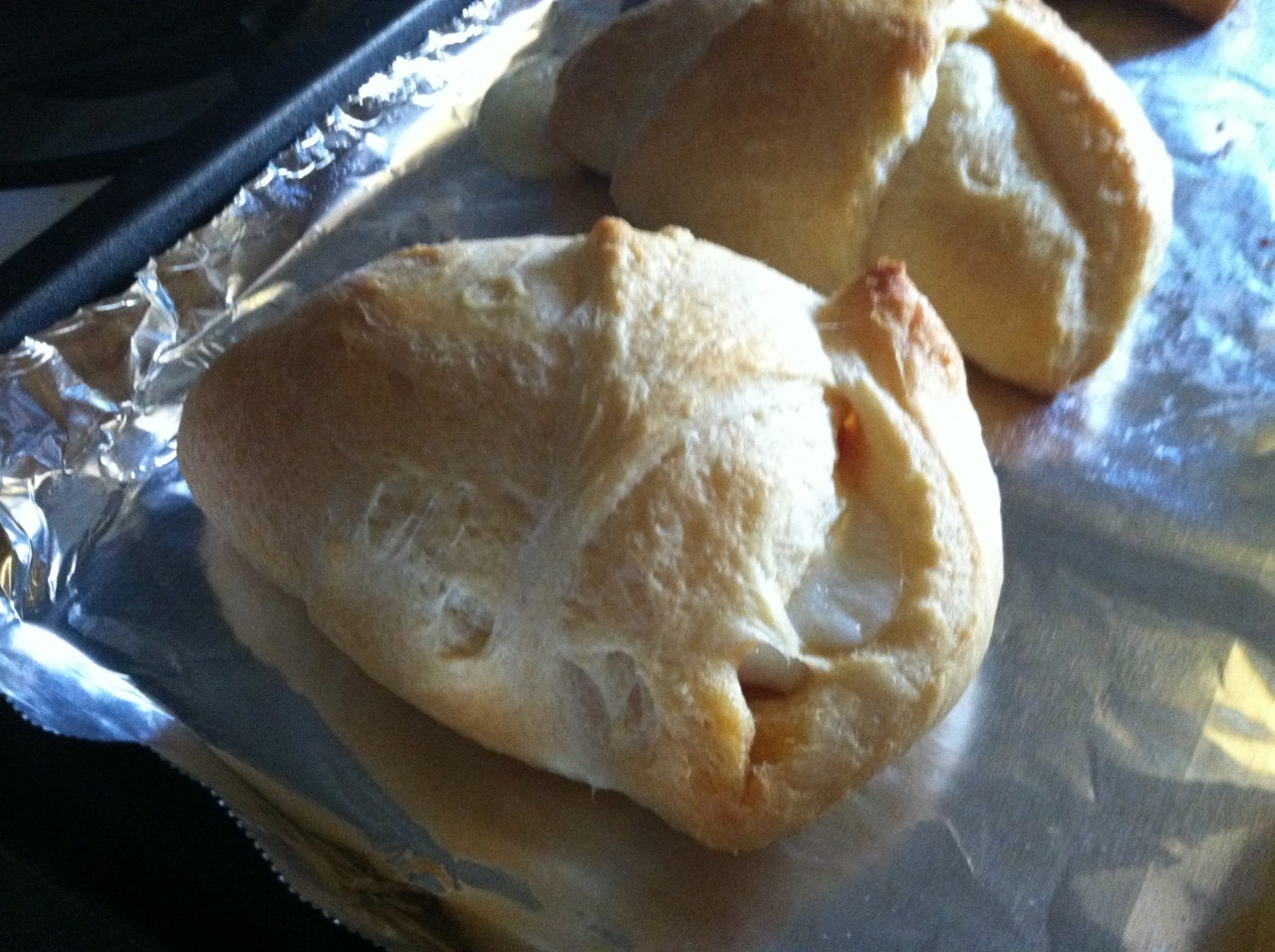 how to make pizza with crescent roll dough