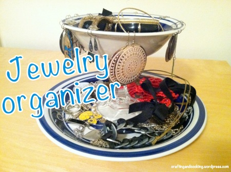Jewelry organizer Craftingandcooking.wordpress.com